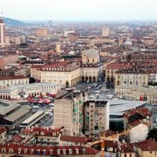 """Confesercenti: il """"Giro"""" fa bene a Torino. Alberghi pieni e turisti in aumento"""