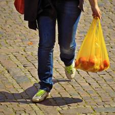 """Confesercenti: """"Per le vendite risultati altalenanti, la ripresa dei consumi stenta a prendere forza"""""""