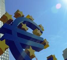 Bce: l'Italia faccia i correttivi al bilancio o a maggio scatta la procedura di infrazione