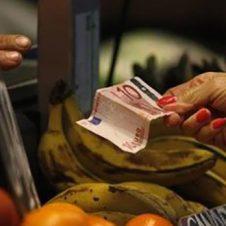 """Inflazione, Confesercenti: """"I prezzi fermi confermano la debolezza dei consumi"""""""