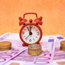 Il decreto crescita modifica alcune scadenze fiscali: nuove date per Redditi, Irap e Imu; posticipati i termini per gli Isa