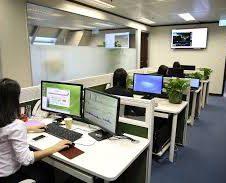 Uffici vuoti, bar vuoti: la pausa pranzo ha bisogno del ritorno dei dipendenti in sede. Firma anche tu la petizione di Confesercenti: salviamo i pubblici esercizi