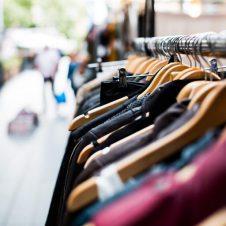 """Commercio, Confesercenti: """"Nessun rimbalzo, a luglio ancora in flessione le vendite nei negozi (-11,7%). Servono interventi, senza la ripresa dei consumi il Paese non riparte"""""""