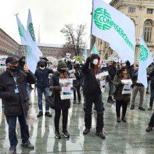 """#FateLavorareAncheNoi – La manifestazione dei pubblici esercizi organizzata da Fiepet-Confesercenti: """"Riapertura – immediata e senza il limite di orario alle 18 – per le nostre attività"""". Ecco le foto"""