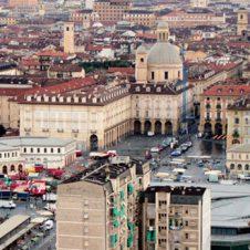 Sabato 1° maggio a Torino mercati, parrucchieri ed estetisti aperti (anche se è giornata festiva)