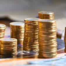 """Risparmio, Confesercenti: """"L'aumento dei depositi è causato dall'incertezza e dal crollo di fatturati e redditi"""""""